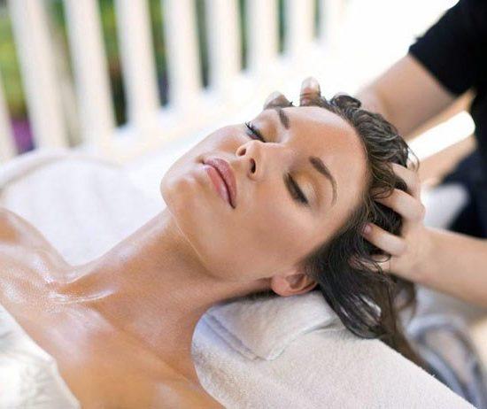 Điều trị đau đầu bằng massage bấm huyệt